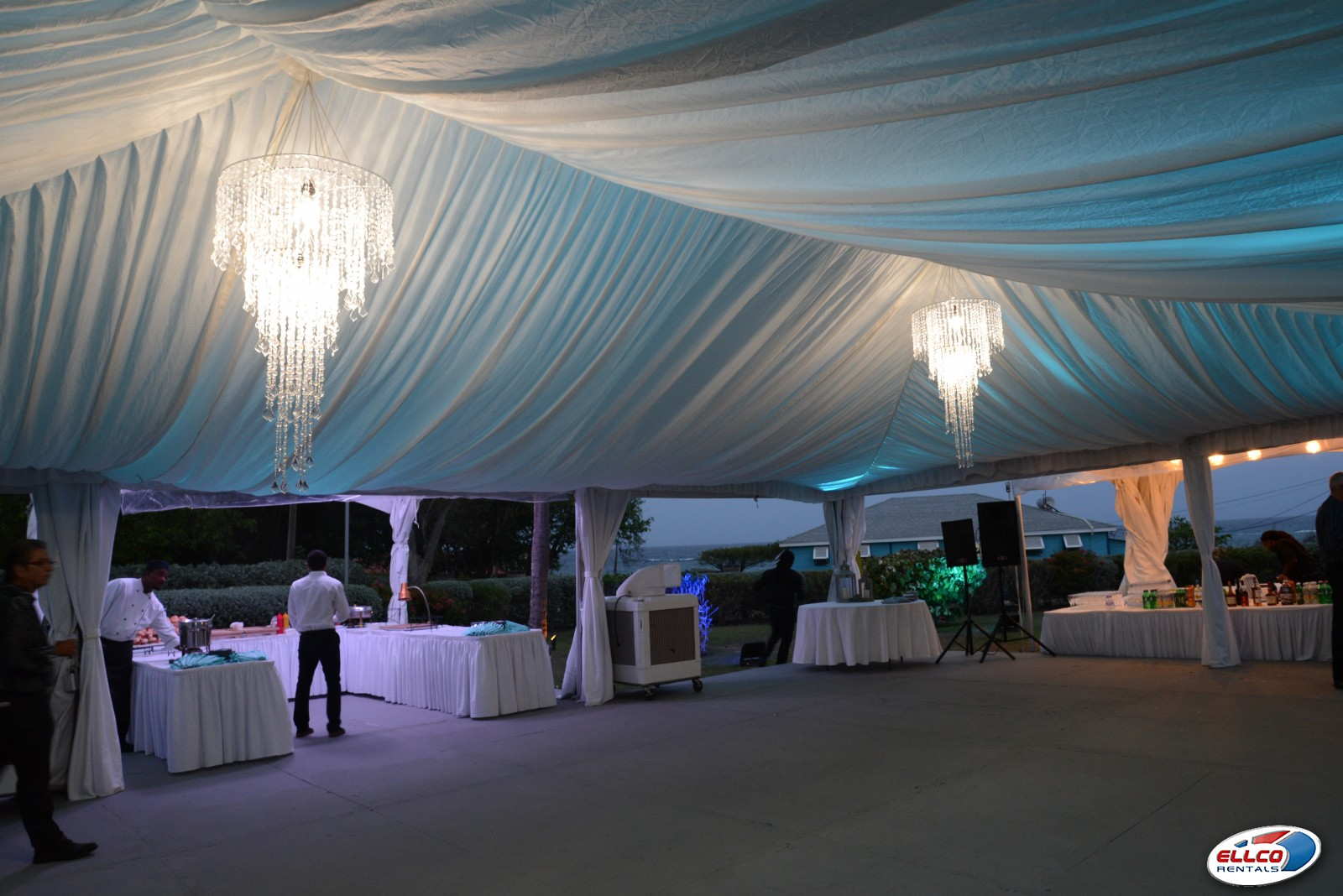 Tent_liner_with_lighting