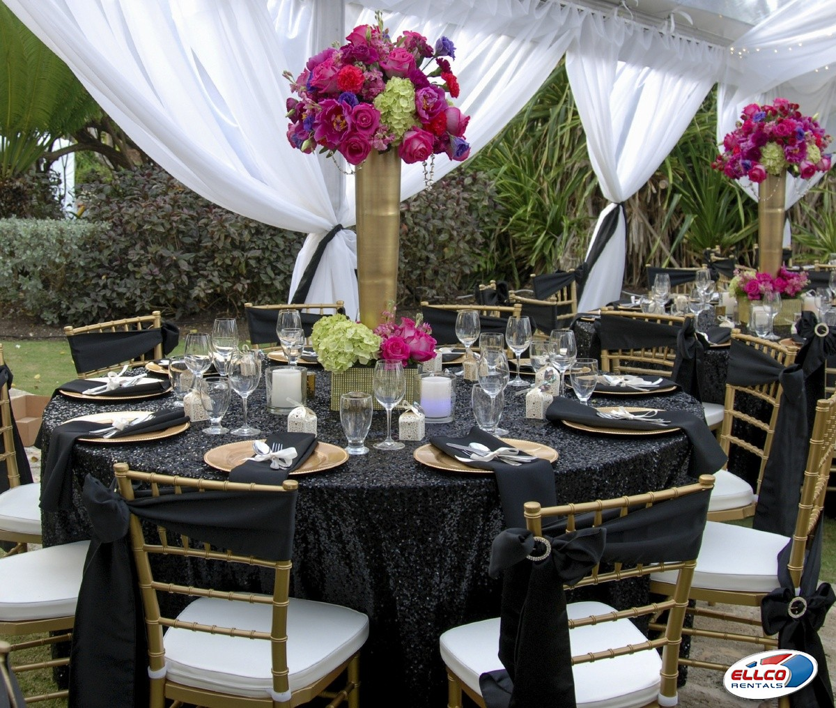 Wedding_tables_and_flowers