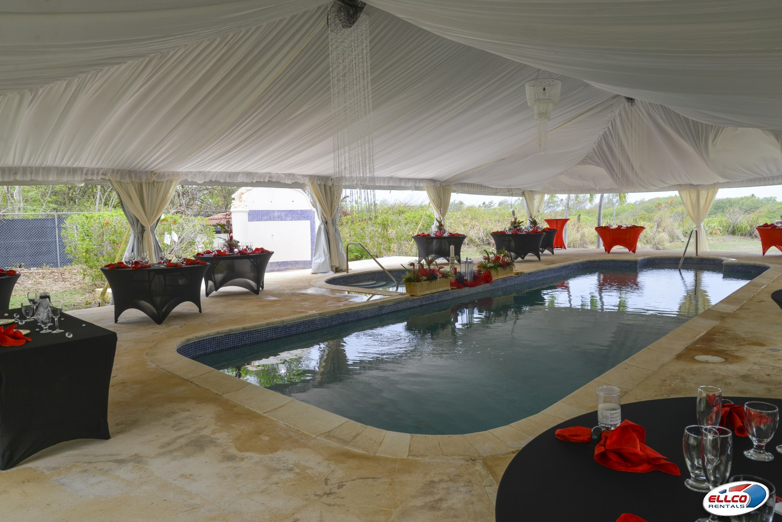 Wedding_tent_over_pool